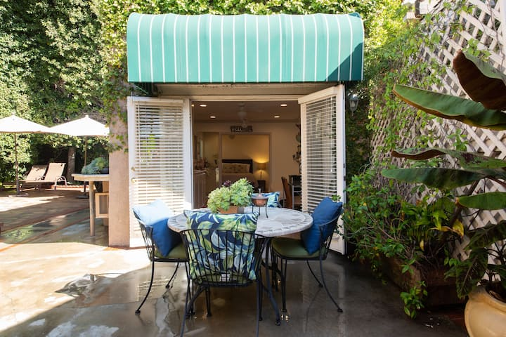 Charming Beverly Hills Private Cottage/Guest House