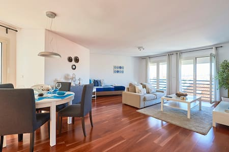 Colina's Top Apartment,  fique em segurança!