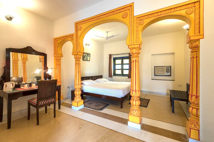 Deluxe Room  · Heritage room located in the old/walled city