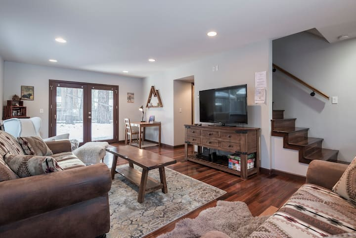 Charming Tahoe Vacation Home 2br/2ba