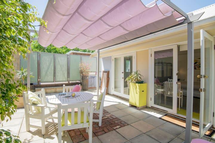 Cosy Corner Garden Studio Fremantle - Fabulous!