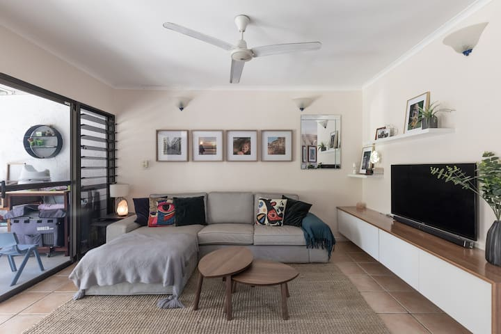 Family friendly home in beach suburb close to CBD
