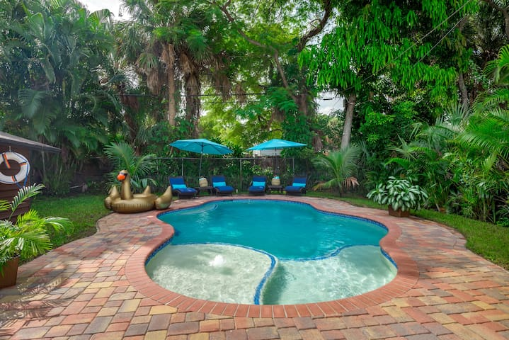 ☕STOP & SEE☕ Heated Pool + 5 Minutes To Beach