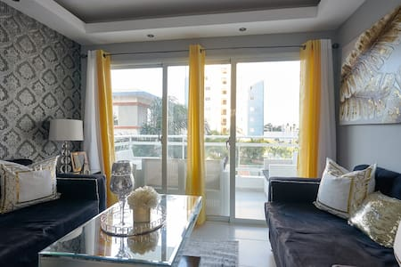 Beautiful 3 Bdrm Apartment in La Charles de Gaulle