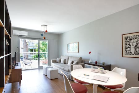 Sunny and Spacious in Palermo Soho! Free Parking.