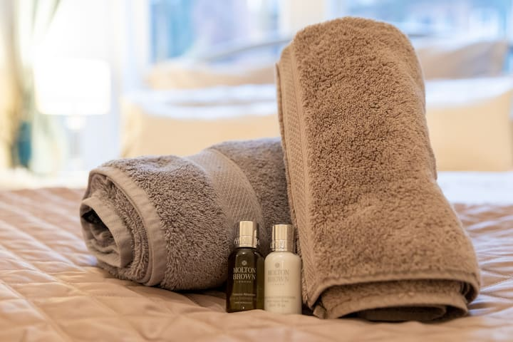 Quality towels and toiletries