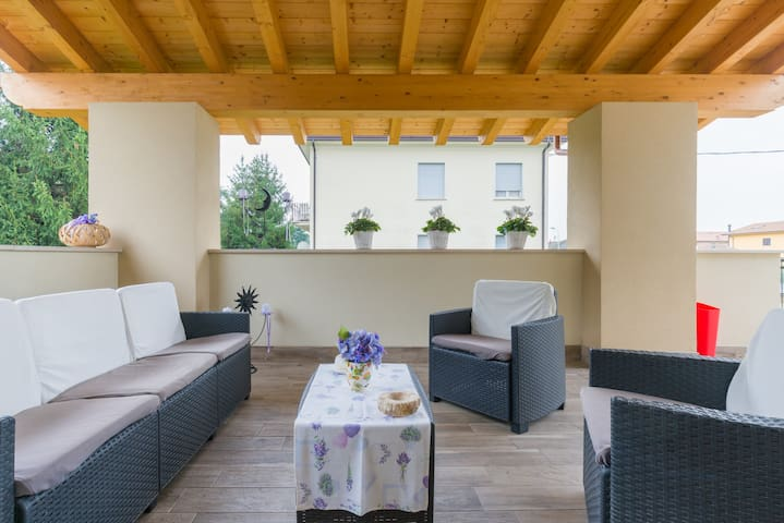 Cameretta A Ponte Auchan.Airbnb Castelnuovo Del Garda Vacation Rentals Places To