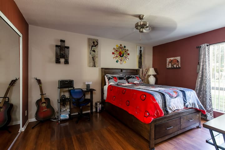 2 Bedroom/2 Bath, Close to Camp Pendleton & Beach