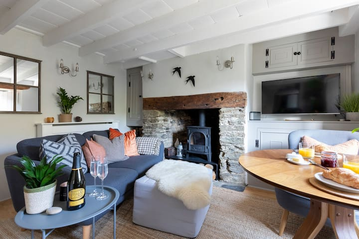 'Boutique hotel' style cottage, Kingsbridge, Devon