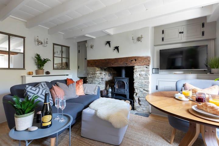 'Boutique hotel' style cottage, Kingsbridge, Devon