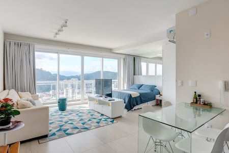 Studio at the best/tallest beach front condo