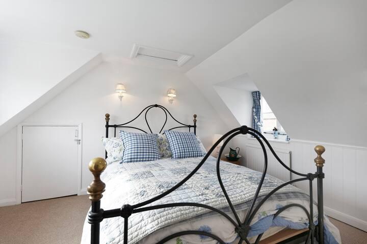 Bedroom 1 - king bed  - top floor