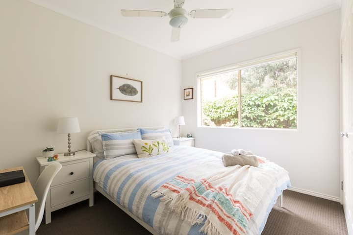 Tamar Cottage on the Bellarine Peninsula (Room 1)