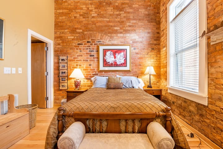 NOMA Loft w/ Rooftop-Downtown Greenville SC