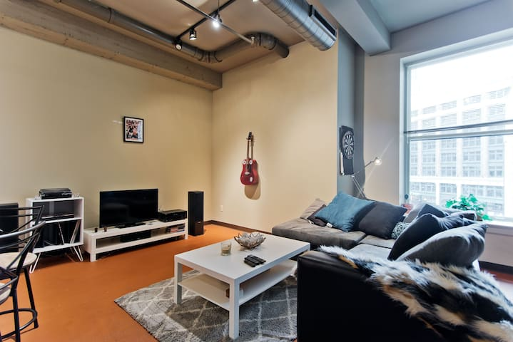 Downtown loft near Campus Martius and all arenas