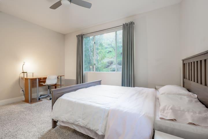 2 Bedroom 2 Bath Condo in Resort Style Complex