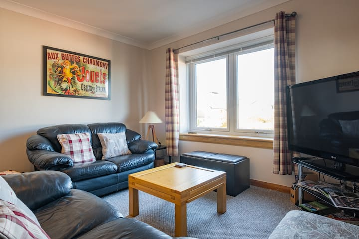 Bright apartment close to University and Hospital