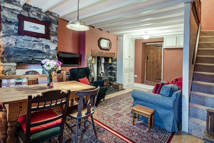 Cosy Victorian Cottage in a great location