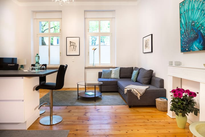 Prenzlauer Berg-HIP-Disctric modern 2-bedroom flat