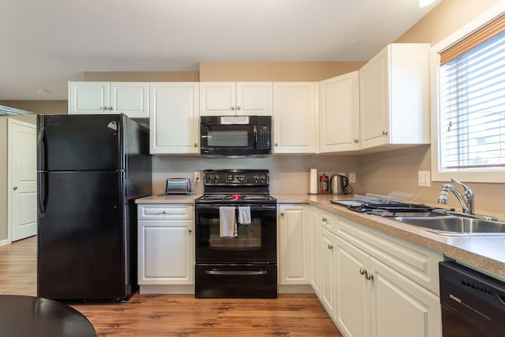 Spacious, fully stocked kitchen