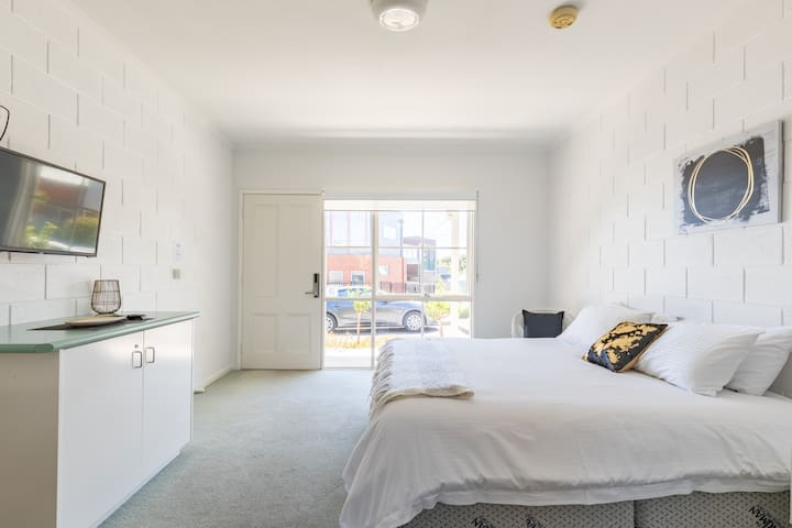 Geelong CBD Accommodation Unit 4