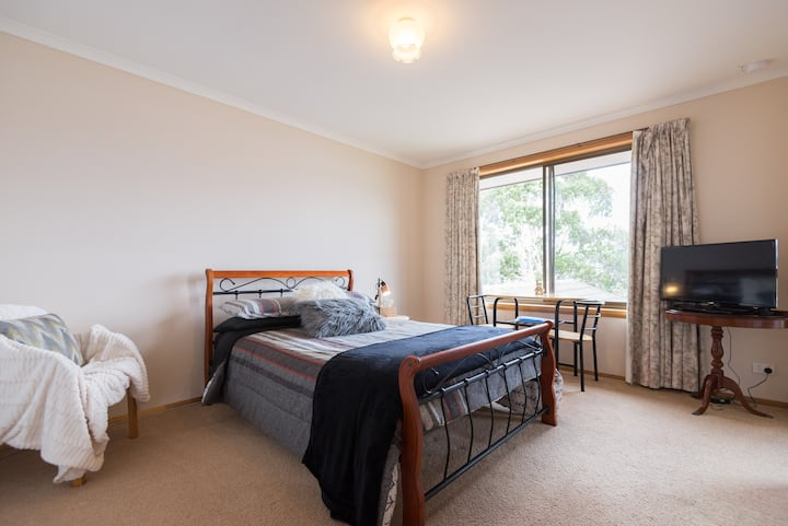 Rose Bay Rooms Bed & Breakfast - Room 1