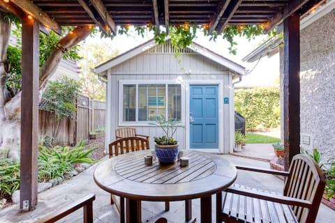 Cozy Belmont Heights Cottage - Walk To Beach & Bay
