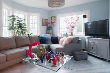 Blue House - Sunset Suite
