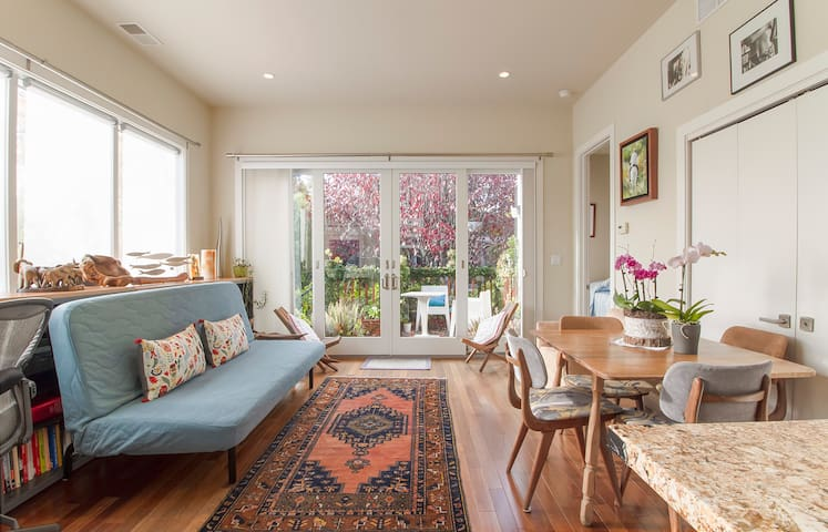 Guesthouse in the heart of Mill Valley