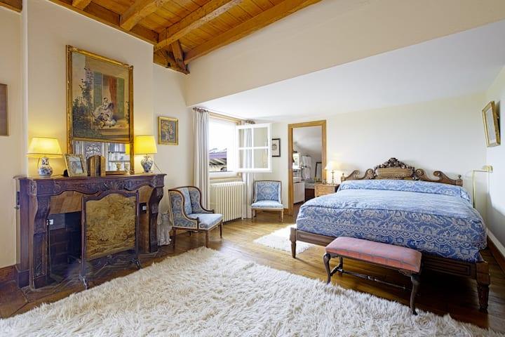 Arcangues :  5 chambres au calme. Très belle vue.