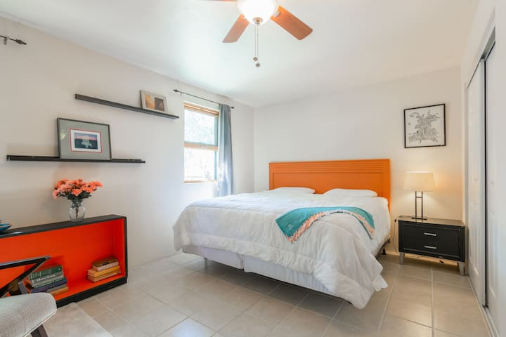 Casa Lupita|Private & Quiet| Museum Hill| Downtown