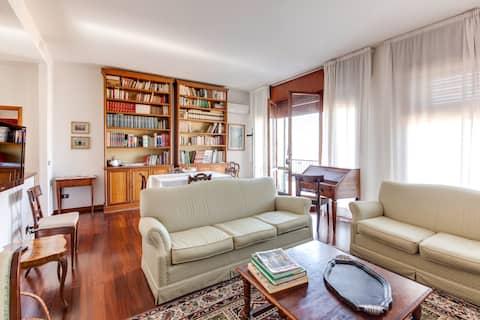 Comfortable, light, safe location in Ravenna heart