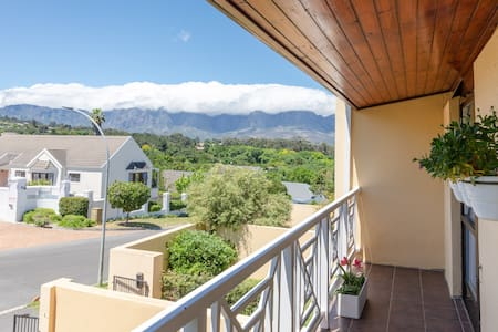 Mountain View Room in tranquil location