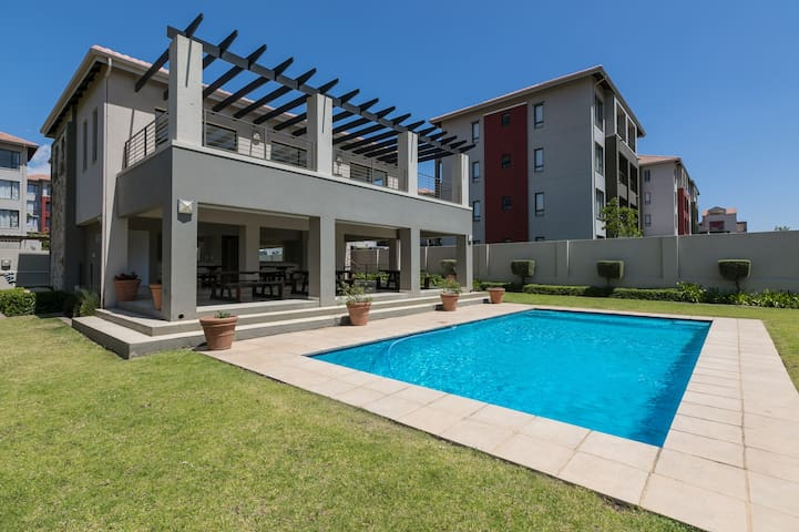 ⚡Nova Luxury Suites Lonehill 2 Bed⚡