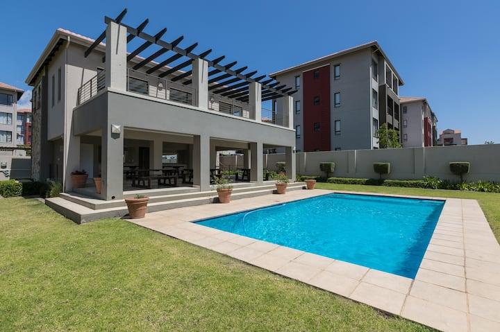 ⚡Nova Luxury Suites Lonehill 2 Bed⚡