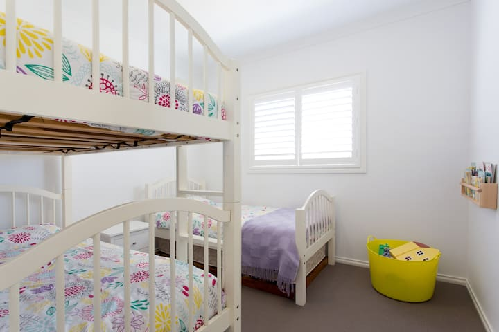 Bedroom 3 - bunk bed and single bed