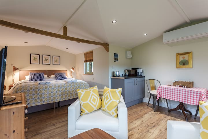Wooden Lodge in the New Forest, Double or Twin