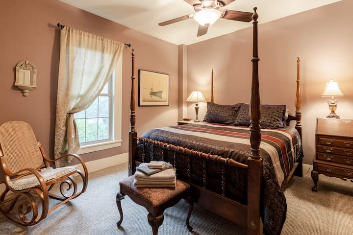 In this room, the overhead fan & light have a convenient clicker so you can turn them on and off without getting out of bed!