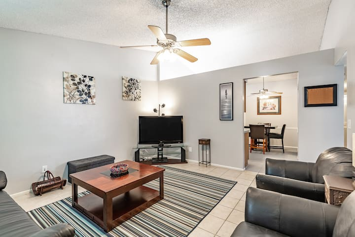 Central Chandler 3BR Patio Home * New Upgrades *