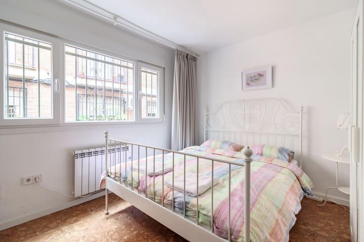 1米六床宽的大床房