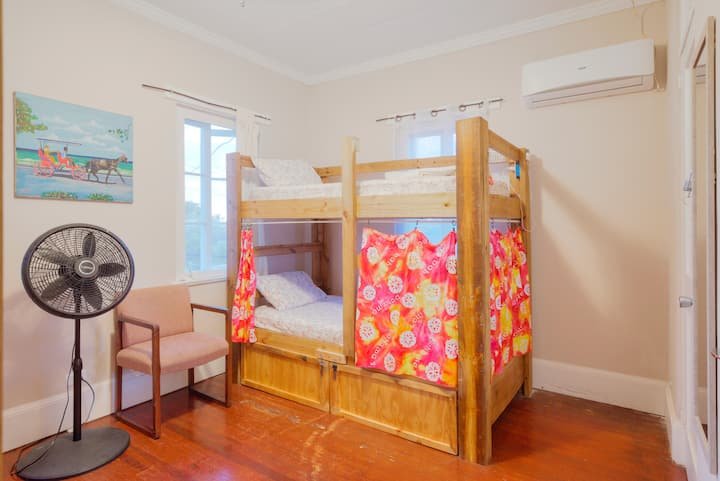 Downtown Nassau Female ONLY Dorm! Flamingo - Bed#1