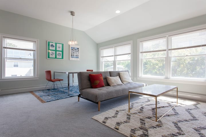 A new 1BR close to White Plains train station