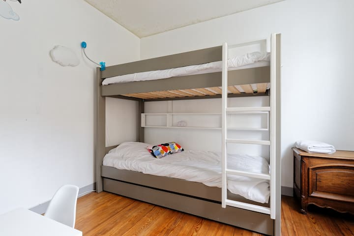 chambre lit superposé (+3e lit tiroir possible)