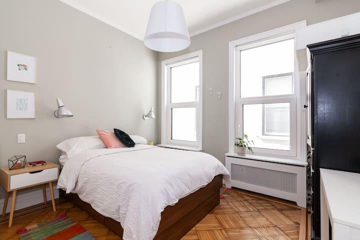 Private Room with En-Suite in Brooklyn Brownstone