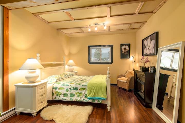 Western Red Cedar Suite