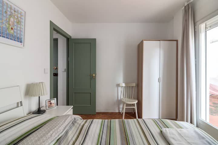Double Room at the foot of Old Town Albaicín