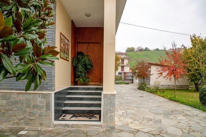 Casa con vista a Dogliani