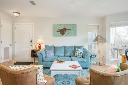 Upgraded New Braunfels Cute Condo Guadalupe River!