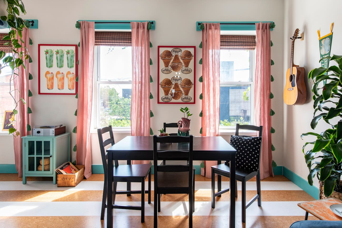 Full of light and color, this second floor bungalow is cozy and inviting.
