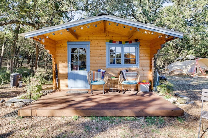 A Glamping Cabin-Tent Combo for Nature Lovers